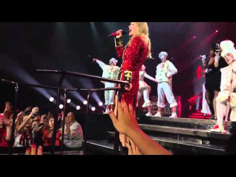 Taylor Swift - We Are Never Getting Back Together (Live in San Antonio, TX)