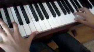 """Таня играет на пианино музыку из кинофильма """"Сумерки"""""""