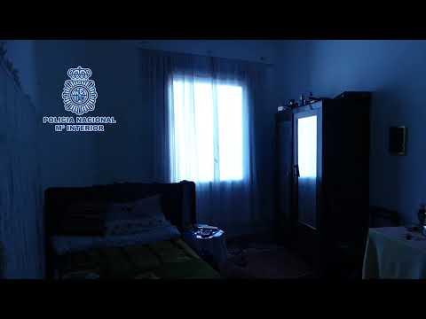 Desarticulada en Santiago una red de trata que obligaba a sus víctimas a mendigar y prostituirse