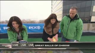 Michelle Buffardi Makes Two Football-party Cheese Balls On Pix 11 Morning News Wpix