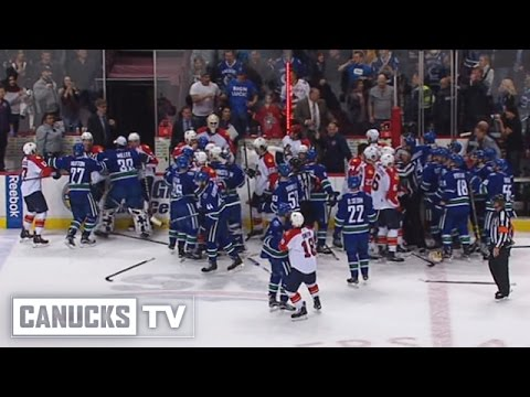 Canucks vs Panthers Bench Clearing Brawl (Jan. 11, 2016)