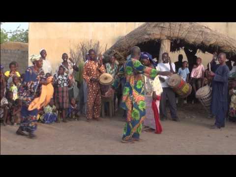 MLI030 Mali dance 2