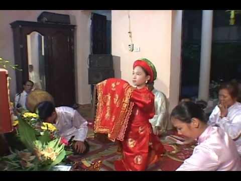 Hầu Đồng :Nguyễn Thị Phương Thảo ( 9 tuổi ) hầu Quan Lớn Đệ Nhị .flv