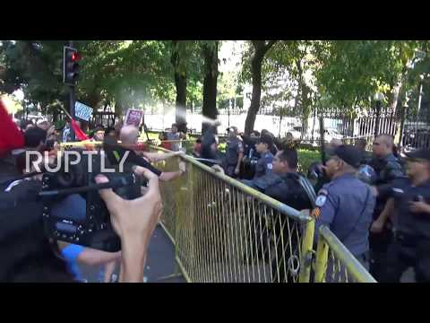 Brazil: Angry teachers gather to protest delayed wages and education cuts in Rio