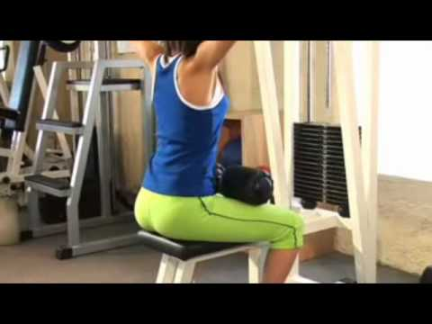 ejercicios para adelgazar brazos en gimnasio