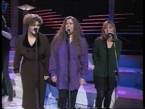 Sweet Forget Me Not - Dolores Keane, Maura O'Connell & Frances Black
