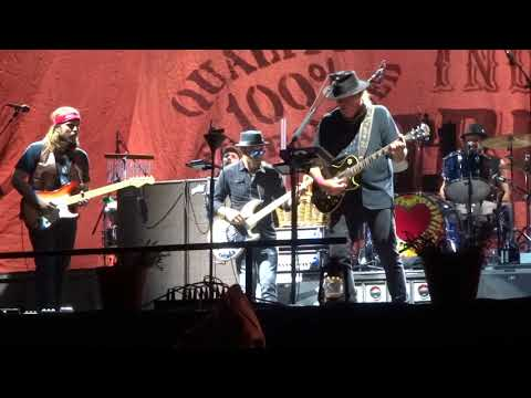 Cowgirl in the Sand (epic!) - Neil Young & Promise of the Real @ Desert Trip, Indio, CA 10-15-16