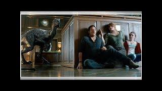 ∞'Jurassic World: Fallen Kingdom' Review: Chris Pratt's Sequel Is Not Quite Dino-Mite