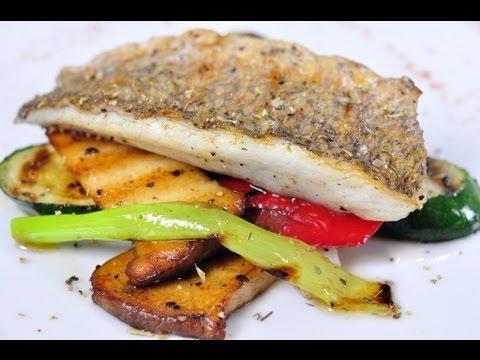 ปลากะพงและผักรวมย่าง (สเต็กปลา)