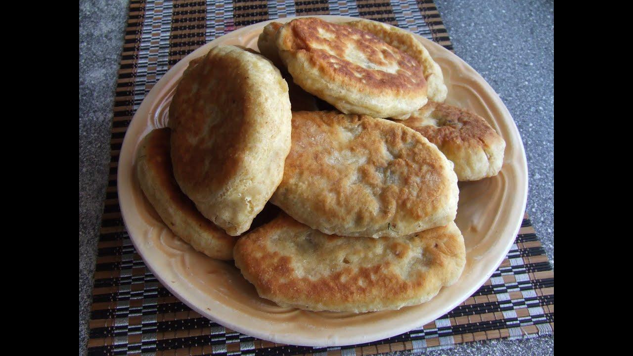 пирожки на кефире из воздушного теста на сковороде без дрожжей