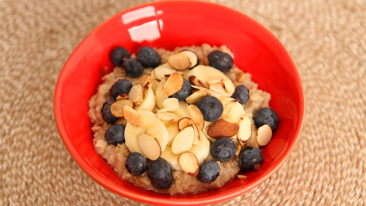 Laura's Favorite Quick Oatmeal Breakfast Recipe - Laura Vitale - Laura in the Kitchen Episode 5