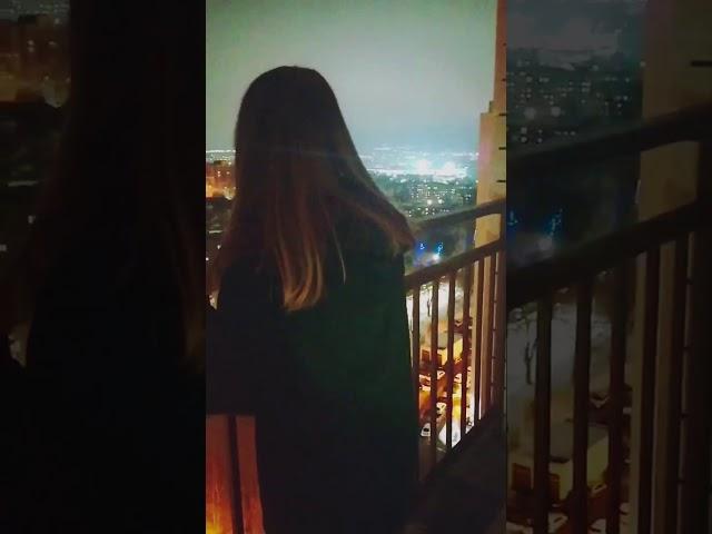 Изображение предпросмотра прочтения – НадеждаПанина читает произведение «Она сидела на полу...» Ф.И.Тютчева