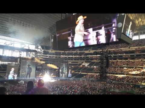 Jason Aldean   Opens with Hicktown & My Kind Of Party Live From AT&T Stadium