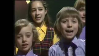 Gilbert O'Sullivan - Christmas Song -  Les Dawson's Christmas Box (1974)