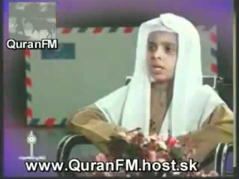 الشيخ محمد البراك يقلد المقرئين في طفولته