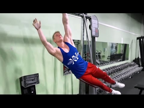 Dynamic Hanging for Loosening Upper Body Muscles