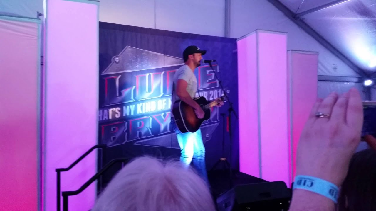 Luke bryan vip package acoustic lounge 2014 ii youtube luke bryan vip package acoustic lounge 2014 ii m4hsunfo