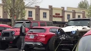 Jeep Drivers Teach Arrogant Mercedes Driver A Lesson About Parking!