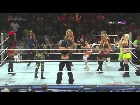 WWE Divas Halloween Battle Royal (Full Match)