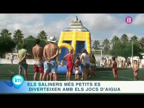 Jocs d'aigua dins les festes de Sant Bartomeu a ses Salines