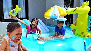 NANGIS HISTERIS, Drama Surprise Kolam Renang Perosotan Mandi & Main Air Ft MY BABY Kids Doraemon