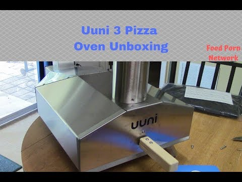 Uuni 3 Wood Fired Pizza Oven (un-boxing)