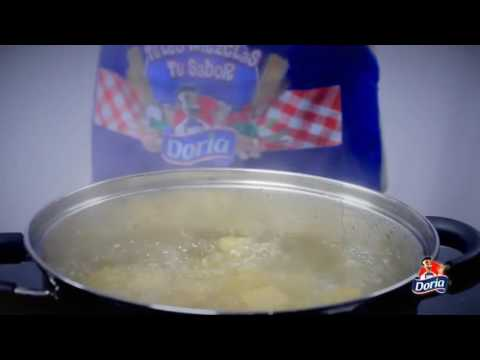 Spaghetti Doria con Carne y Salsa Lista de Tomate Doria Finas Hierbas.