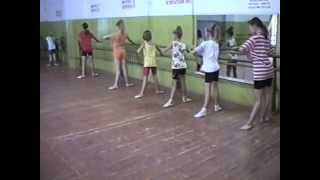 Танцы. Фрагмент урока в русском стиле. Ансамбль