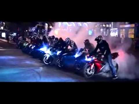 Nochnye tryuki na motocikle v Kieve 240 1