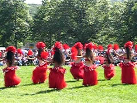 Polynesian Dancers at the Red Hawk Native American Arts Council Powwow
