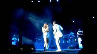 Joss Stone - Stalemate (feat. Ellison Kendrick) @ HSBC Arena (Rio de Janeiro, 21/11/2009)