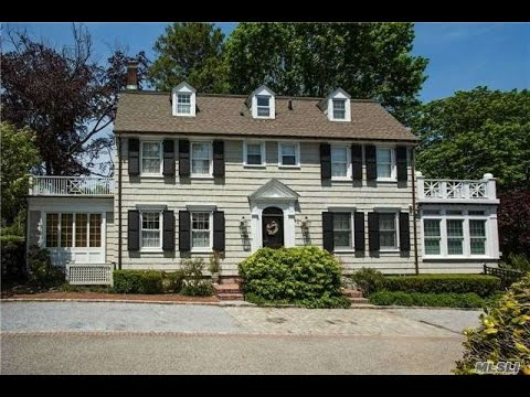 Tour The Real Amityville Horror House At 108 112 Ocean Ave Youtube