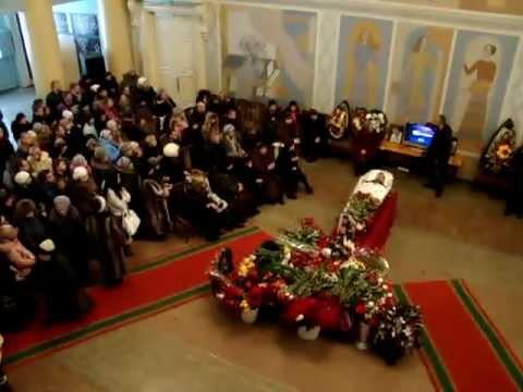 экскурсии кто бвл на похоронах анатолия отраднова Пить воду бутылки
