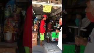 Avances de obras en la avenida Gaviotas; sufren comerciantes.
