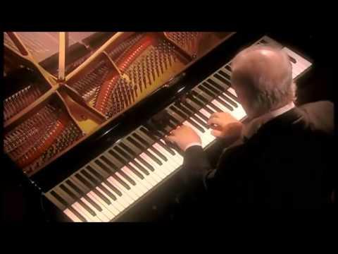 Beethoven | Piano Sonata No. 5 in C minor | Daniel Barenboim
