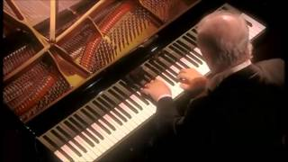Beethoven | Piano Sonata No. 5 in C minor | Daniel Barenboim