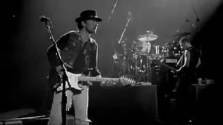 [1983] U2 - SUNDAY BLOODY SUNDAY (live Rattle And Hum, 1988)