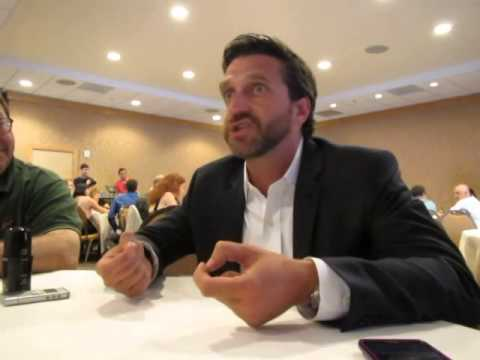 Hannibal SDCC 2014 - Raul Esparza Interview