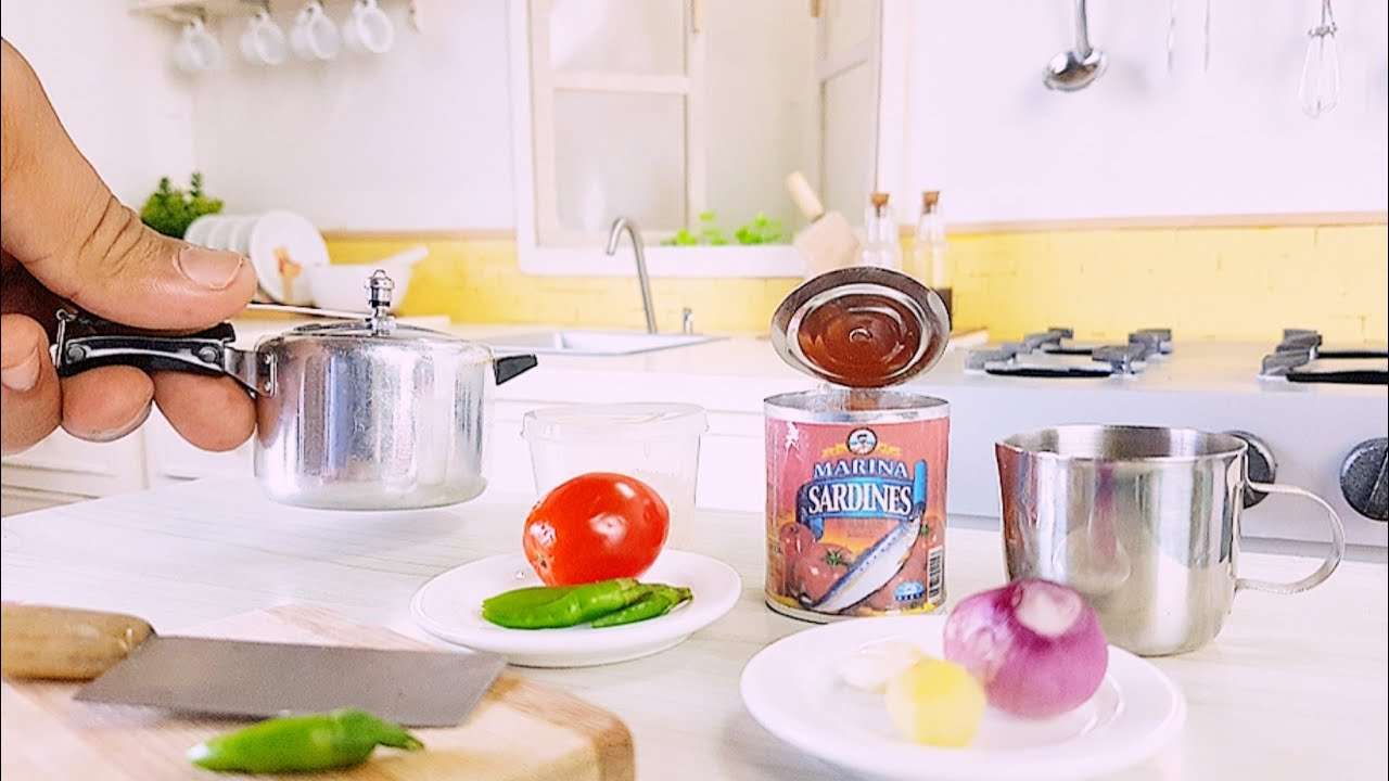 🔸️One Can Of Sardine Spicy Chilli + Rice . Simple Style . Real Miniature Cooking