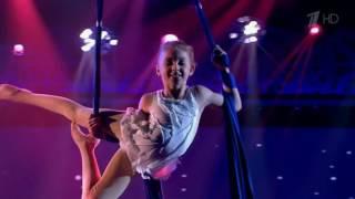 видео гимнастика на полотнах