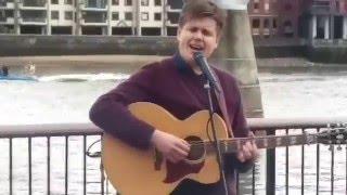 Я в Лондоне: Дорога к Тауэр Бриджу ч.5(Просто промежуточное видео с музыкантом., 2016-03-22T12:25:44.000Z)