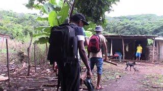 Otro Día Caminando - Por Los Pueblos Olvidados En El Salvador