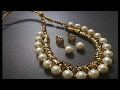 Pearls with antique bails neck set with pearl Earring
