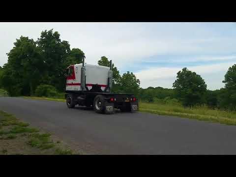 8v71 Detroit Diesel in 72 GMC Astro 95