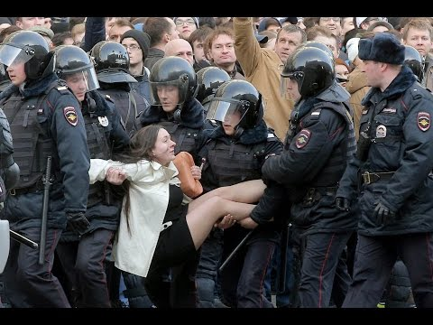 Anti-Kremlin Protests in Russia on 26.03.2017. Up To 1000 Protesters Arrested. [Eng subs]