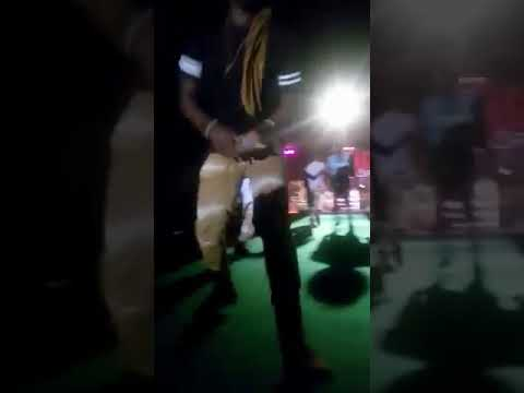 Clique viral performs Ku kalale at the Mr Eazi show