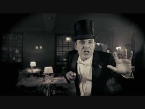 Danny Huston Sings Al Bowlly