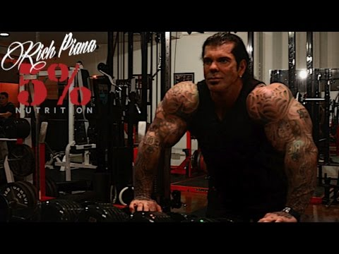 SKULL CRUSHERS ON SMITH MACHINE – EASY ON THE ELBOWS – Rich Piana