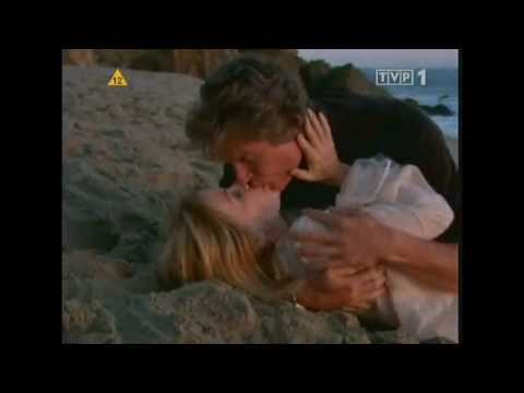 B&B Ridge and Brooke reunite on the beach at Malibu (2008)