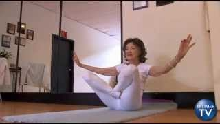 93-yr-old Yoga Teacher Wins Guinness World Record and Strikes a Pose